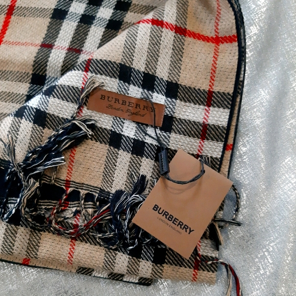 """NWT Burberry Classic Scarf 12"""" Wide Style"""